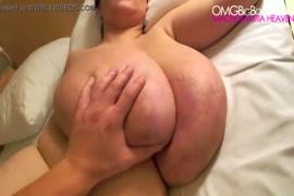 Une fille et 8 hommes qui font lamour porno