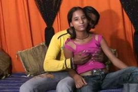 Femme fait lamour avec son fils