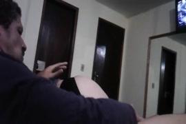 Porno femme fait pleurer homme