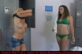 Mapouka de femme au grosse fesse nue