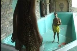 Femme katanguese nue poil