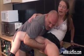 Xxx sexe afircan avec les chiens
