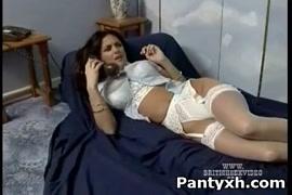Vidéo porno beninoise avec des femmes perles aux hanches -youtube -siteyoutube.com