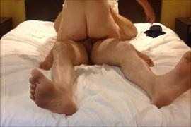 Porno petit penis pénètre vagin