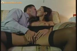 Porno jeune fille avec animal mouton